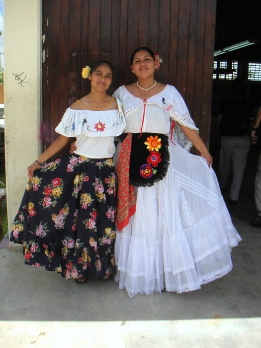 Mexican-Girls-Mexico-Unit-Spanish-Lesson-Plans-World-Language-Cafe